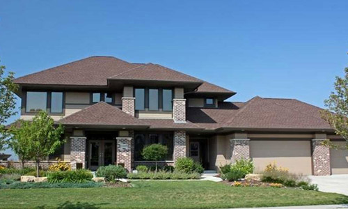 Casement windows and sliding windows are popular on Prairie style houses. Brennan Enterprises is a window replacement company based in Dallas, Texas.